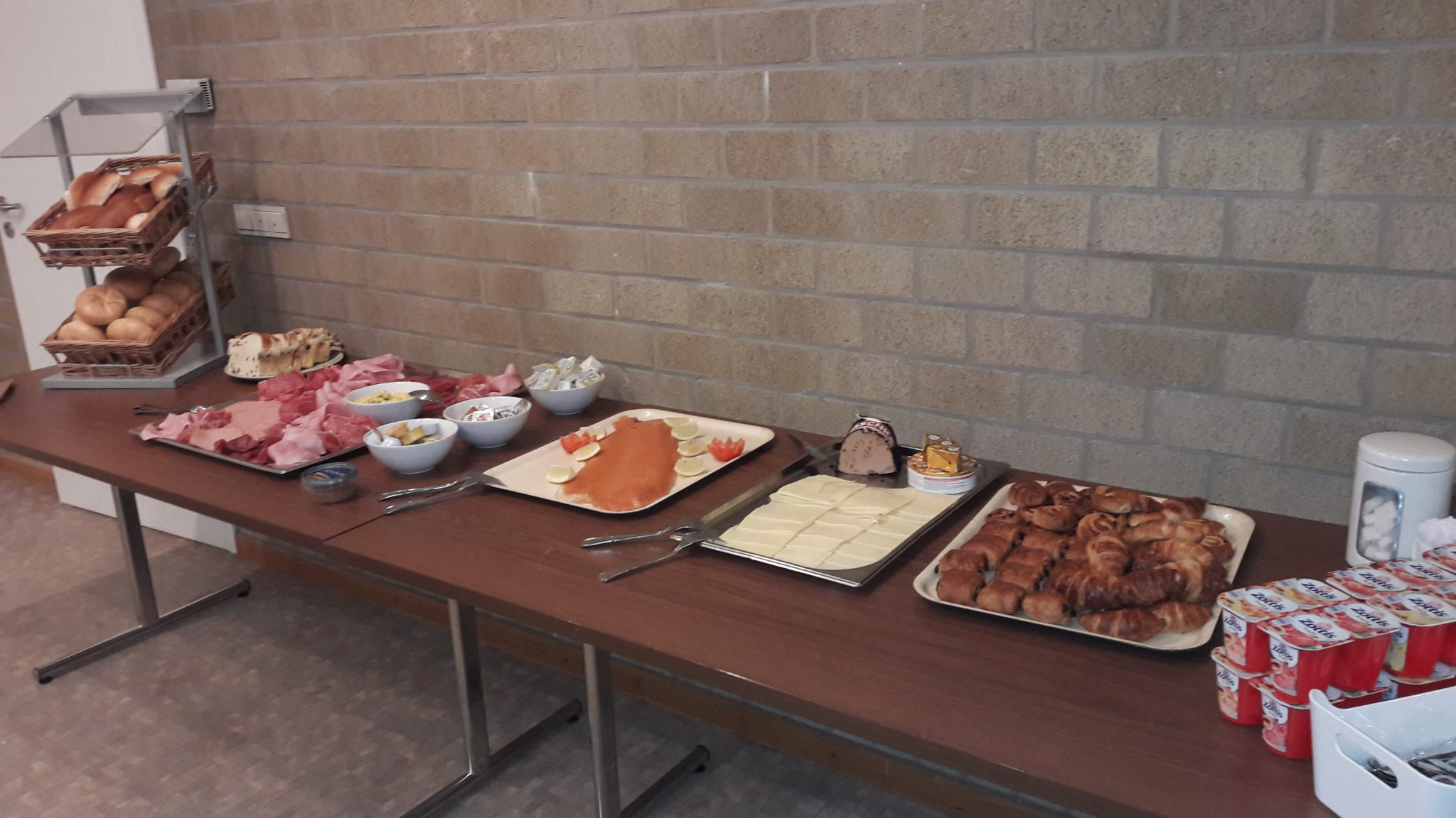 Ontbijtbuffet voor de wandelvrijwilligers