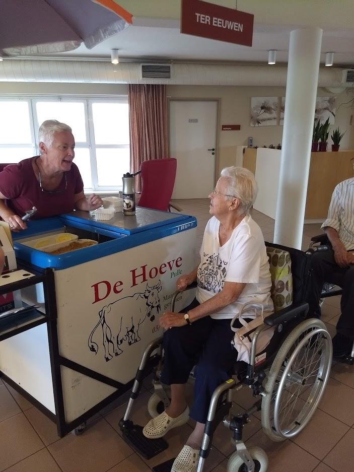 Traktatie ijsjes voor 25 jaar Czagani
