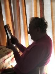 Contact-met-familie-via-tablet